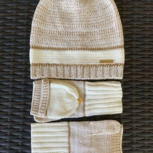 Michael Kors Cream and Gold Hat and Glove Set